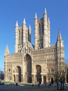 Lincoln_Cathedral_West_Front_adjusted