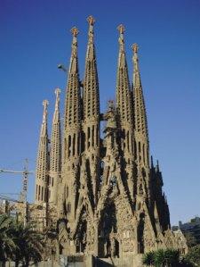 tovy-adina-la-sagrada-familia-gaudi-cathedral-barcelona-catalonia-cataluna-catalunya-spain-europe