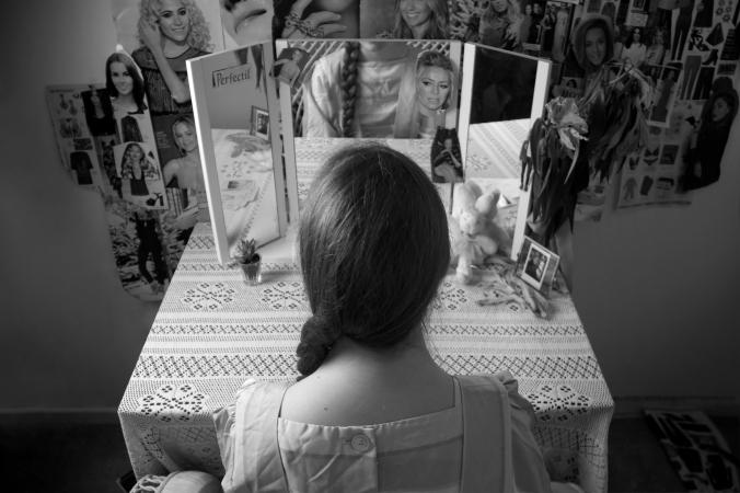 bw-mirror